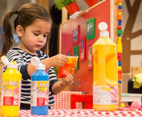 Met ingang van 1 januari 2018 zijn er landelijke wijzigingen in de kwaliteitseisen voor de kinderdagopvang en de buitenschoolse opvang. Het zogenaamde akkoord IKK dat is opgedeeld in 4 thema's. We leggen je graag uit wat de thema's en wijzigingen inhouden. In het algemeen en voor onze kinderopvang.